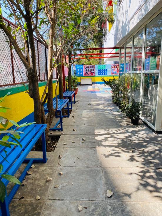 Jumpstart_Baner_outdoor area