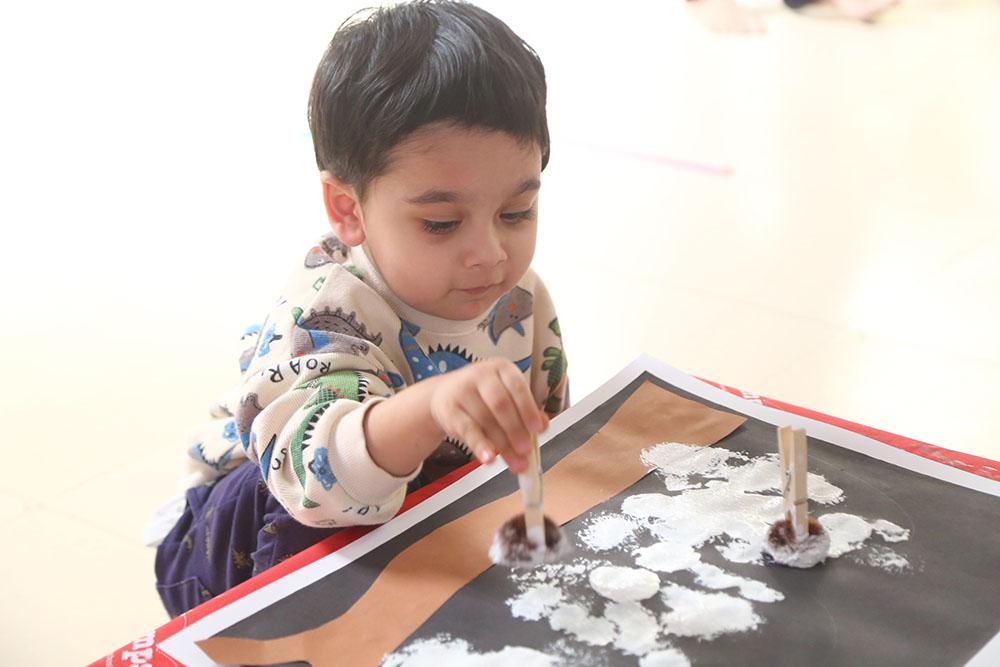 Jumpstart_Learning Centre_paintingactivity