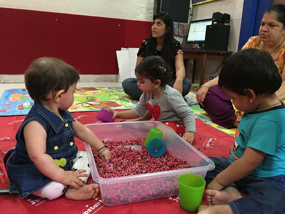 Jumpstart_Parent Toddler Program_pouring 1