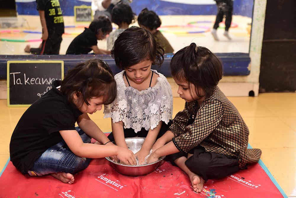 Jumpstart_Preschool_doughplay