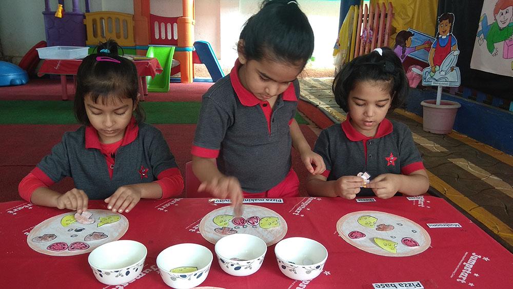 Jumpstart_Preschool_pretendplay 1